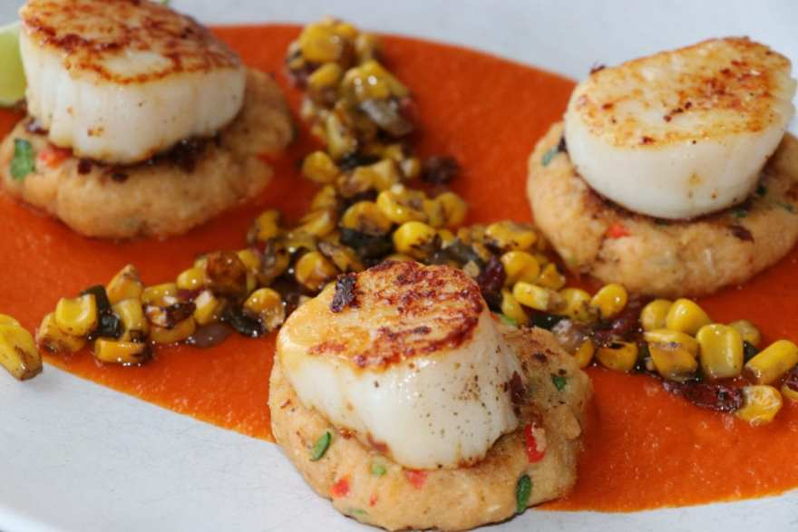 Scallops and crab cakes