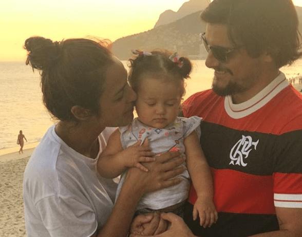 Bruno Gissoni, Yanna Lavigne e a filhinha do casal (Foto: Reprodução/Instagram)
