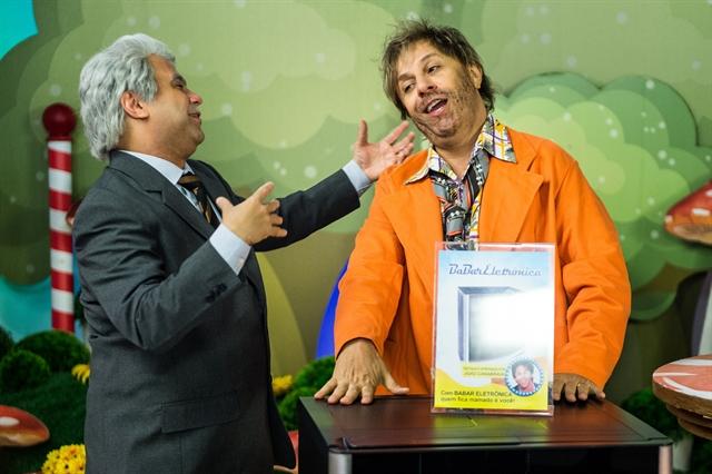 Jorge Bevilácqua (Welder Rodrigues) e João Canabrava (Tom Cavalcante no Tá no Ar (Foto: Globo/Raquel Cunha)