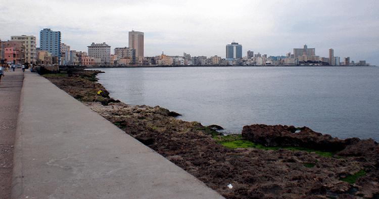 La Havane, sur le Malecon