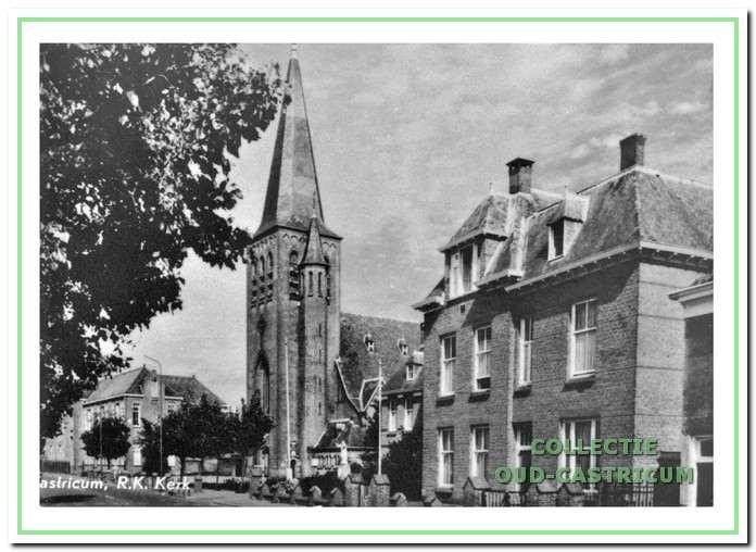 De school, Pancratiuskerk, pastorie en zusterhuis aan de Dorpsstraat.