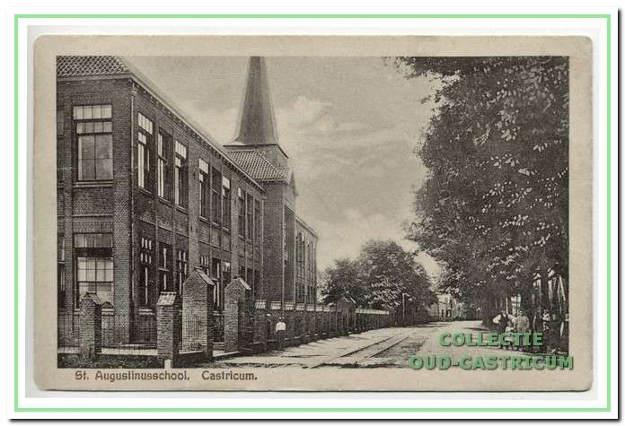 De rooms-katholieke Augustinusschool in 1927. Het is in twee fasen gebouwd, eerst de meisjesschool in 1919 en later de jongensschool in 1920. Het complex is in 1983 afgebroken.