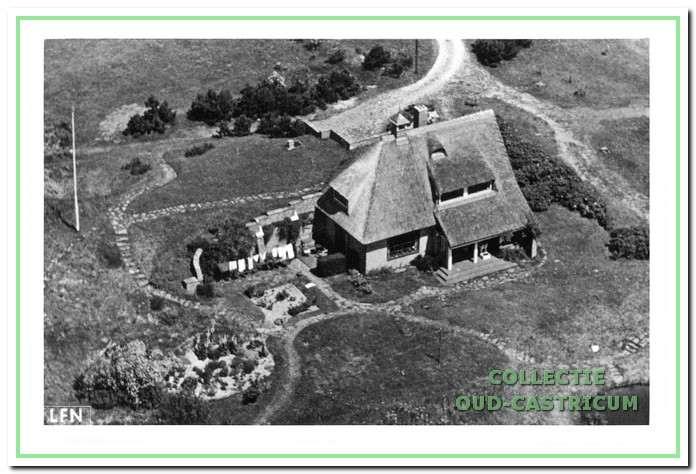 Luchtfoto uit 1941 van De Doornduyn te midden van de beginnende aanplant.