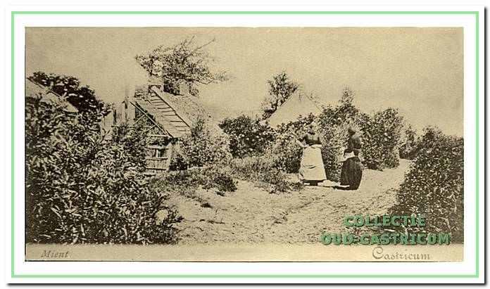 Toen de Zanderij werd afgegraven was de Mient nog onbewoond. Enkele arbeiders uit de omliggende polders die op de Zanderij werkzaam waren bouwden hier hun meestal schamele huisjes.