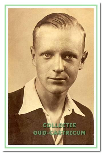 Leo Toepoel omstreeks zijn 17e jaar.