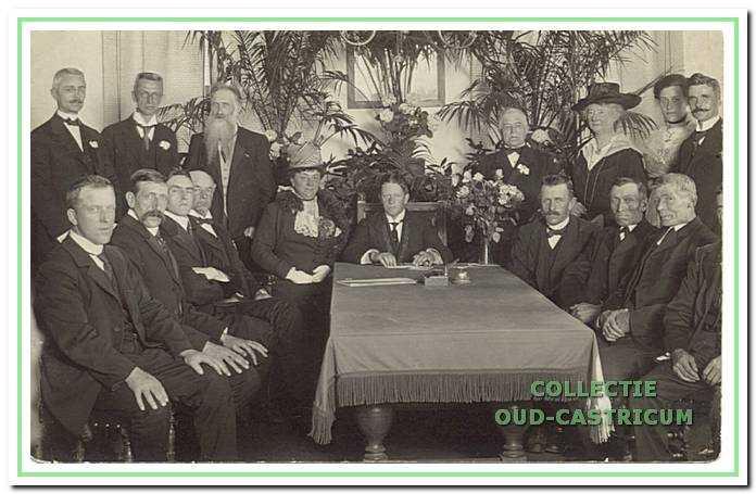De installatie van burgemeester Lommen in 1918.