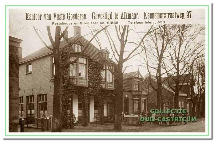 Café de Landbouw aan de Dorpsstraat 30 in Castricum.