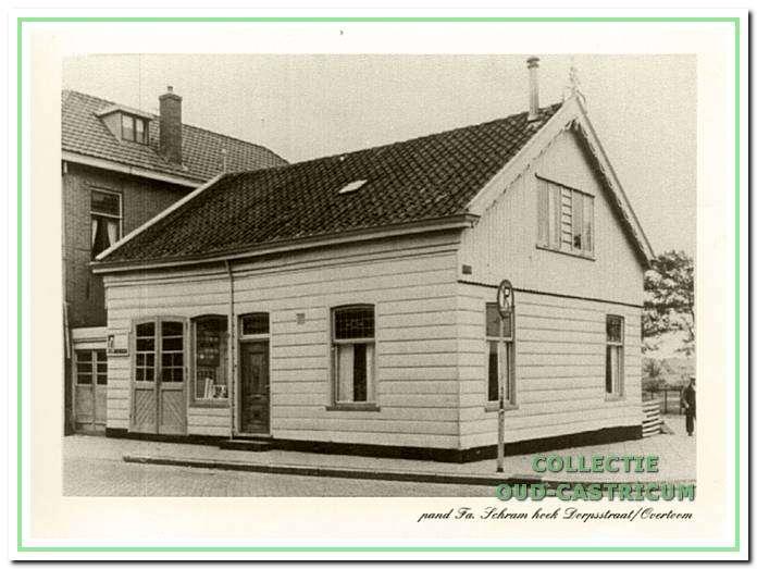 De timmerwinkel van de fa. Schram omstreeks 1950.