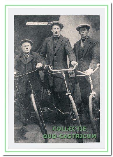 Engel Zonneveld (links) en zonen van Dikke Trijn.