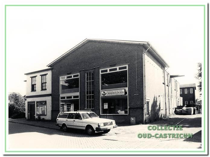 Drukkerij Boesenkool voorheen gevestigd Geelvinckstraat 15 onder andere uitgever van De Castricummer (wekelijkse dorpskrant). Dit huidige pand is een deel van de oude melkfabriek 'De Holland'. Thans staat op deze plek een appartementen gebouw.