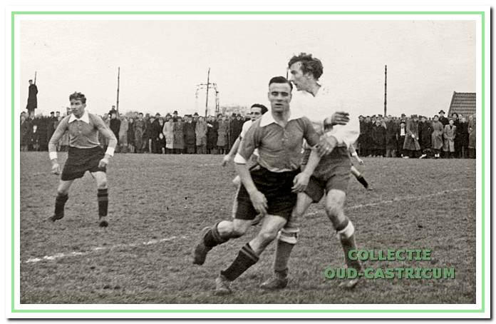 Foto circa 1948: Vitesse speler Arie van der Valk.