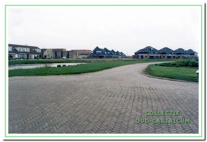 De Heemstederweg nu nog zonder fietspad gezien vanaf de Breedeweg-Rietkamp.
