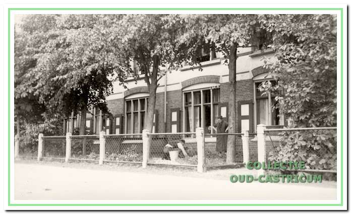 Vroeger personeelswoningen van Provinciaal ziekenhuis Duinenbosch aan de Peperstraat.