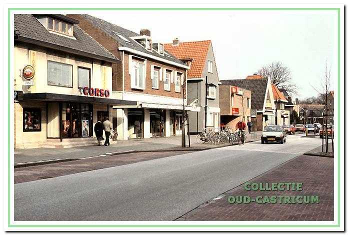Corso theater; schoenenzaak; Luut Griffioen dansschool; toenmalig pand van winkel Noord Hollands Landschap.