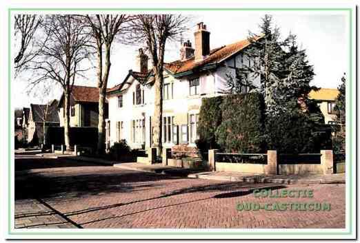 De dubbele woning, gebouwd in 1904 en oorspronkelijk bestemd voor gezinsverpleging.