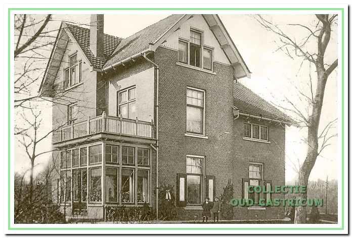 Dokterswoning van Duin en Bosch, van Oldenbarneveldweg 38 in Bakkum.
