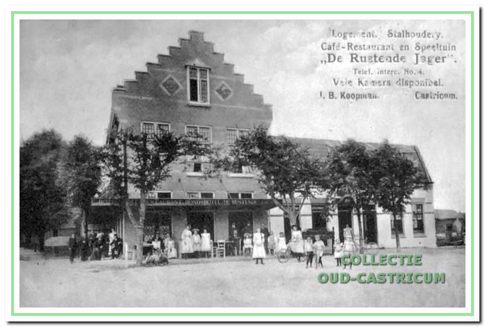 De Rustende Jager, zoals veel Castricummers die hebben gekend, kort na de bouw in 1910-1911.