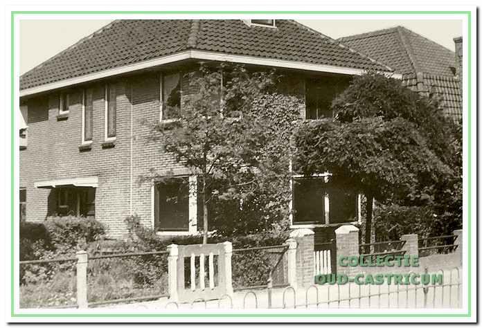 Het woonhuis van Carl Bakhoven (nr. 16); na zijn overlijden in 1936 wordt Henri Bakhoven de hoofdbewoner.