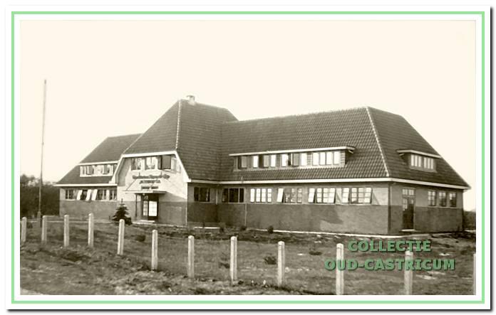 Het kindervakantieoord 'De Eenheid', gebouwd aan de Heereweg op de hoek van de Noorderstraat, werd in 1944 gesloopt.
