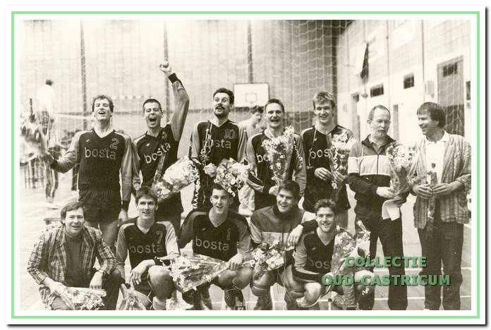Het eerste herenteam dat in 1989 kampioen werd en naar de eredivisie promoveerde.