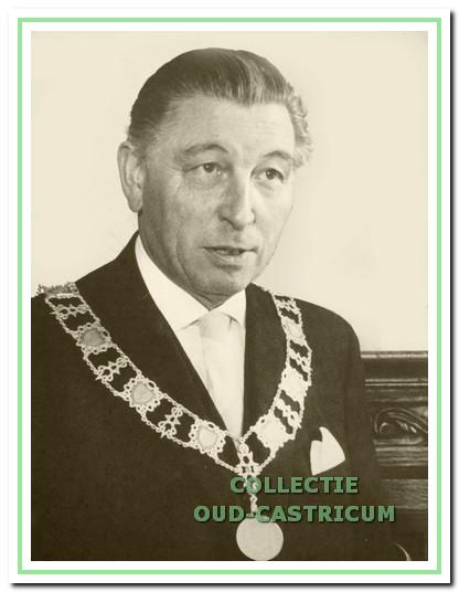 Cornelius F. Smeets was van 1945 tot zijn pensionering in 1968 burgemeester van Castricum.