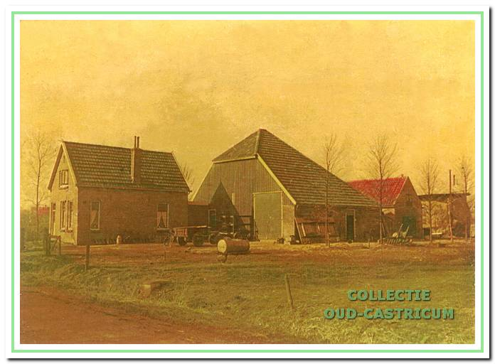 Het woonhuis met de onvolledige stolp in de oude situatie.