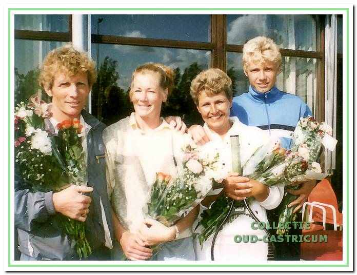 Het eerste gemengd zaterdagteam dat in 1985 kampioen werd van het district Noord-Holland.
