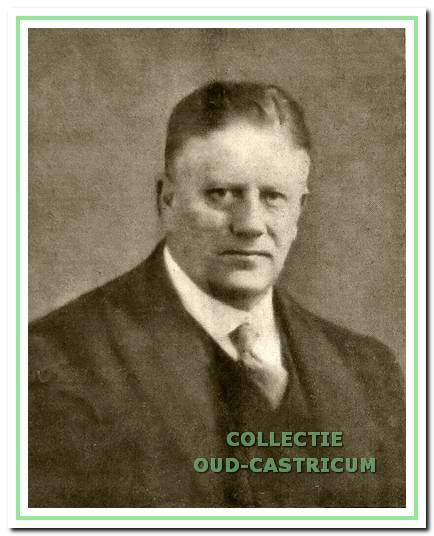 P.H.L.J. Lommen was burgemeester van Castricum van 1918 tot zijn overlijden in 1936. Op zijn initiatief werd op 12 september 1919 de VVV 'Castricum Vooruit' opgericht.