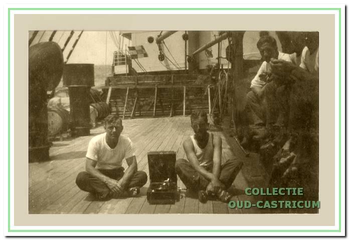 1927: Dirk Schotvanger aan boord van stoomschip Blitar.