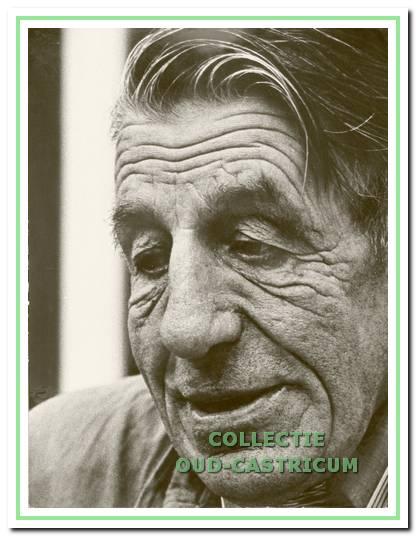 Wim Kuijs (1909-1989). Van 1946 tot 1973 werkte Wim Kuijs bij het ziekenhuis Duin en Bosch in verschillende functies, zoals schoonmaker en gastheer in het oude theehuis. Het was een man met een zeer positieve levensinstelling en een filosofische inslag (foto Cees Aay).