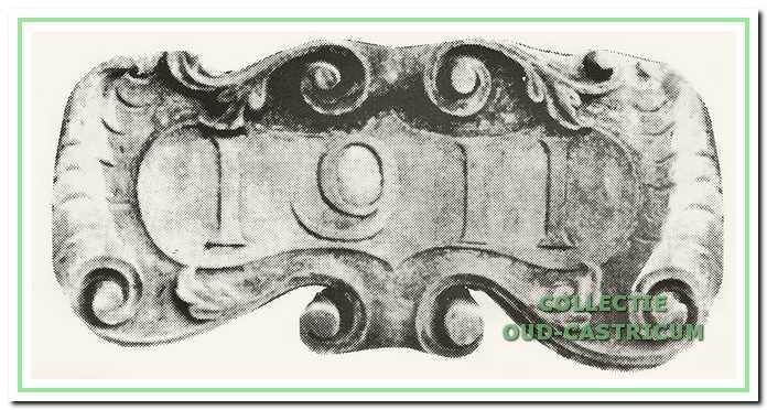 Gevelsteen in het raadhuis met het jaartal van de bouw.