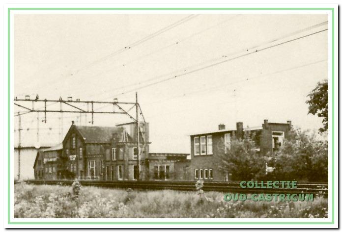 De oude gasfabriek met kantoren, toonzaal en directeurswoning kort voor de sloop.