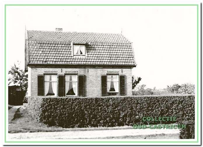 In dit huis woonde Pieter Bakker, Eerste Groenelaan 14.