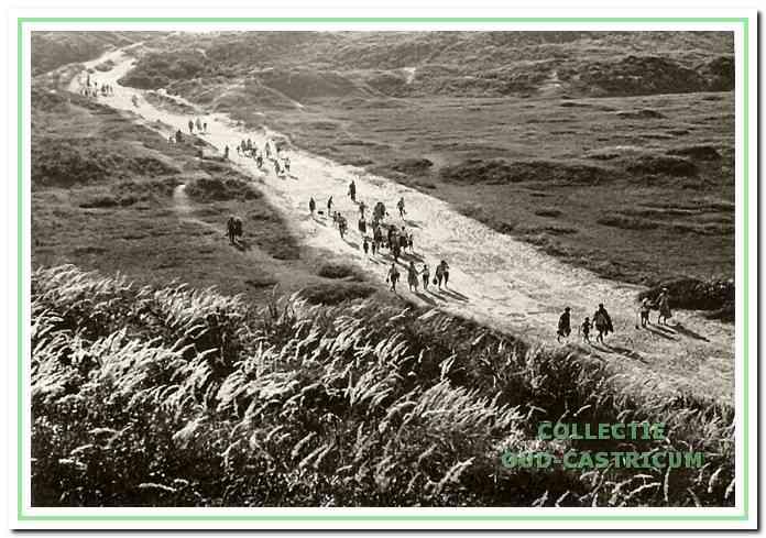 De Grote Veldweg, al jarenlang een rechtstreekse verbinding met het strand.