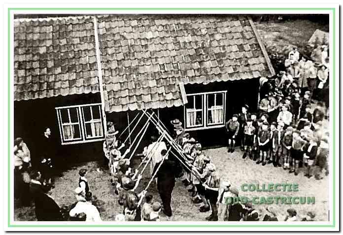 Feestelijke ingebruikneming van het nieuwe troepenhuis van Die Bogeheimers in 1949.