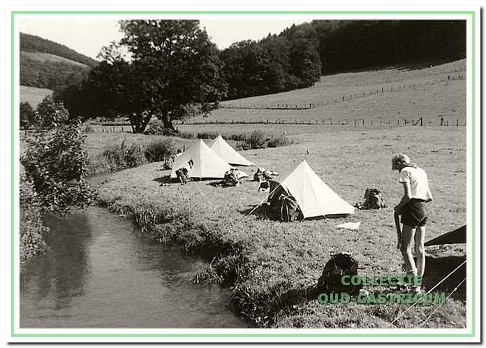 De Rowans op trektocht door het Sauerland in 1965.