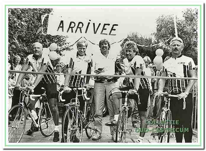 Deze 5 CSV-leden fietsten in de zomer van 1990 naar Zuid-Frankrijk om geld bij elkaar te krijgen voor de bouw van een tribune.
