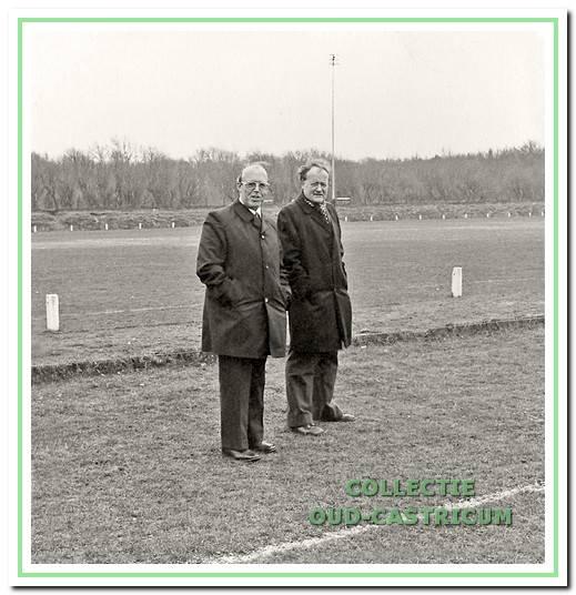 Jan Boesenkool en Chris de Leeuw, twee CSV- ers die van onschatbare waarde zijn geweest voor de vervaardiging van het clubblad.