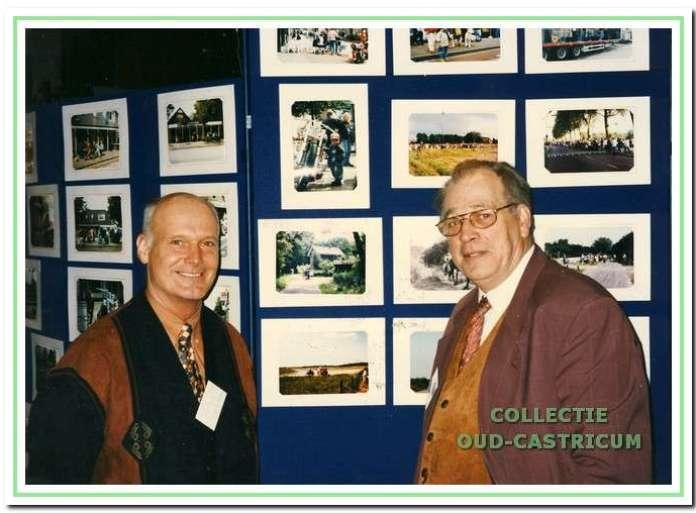 Loek Zonneveld (rechts) en Jaap Stuifbergen verzorgden talloze dia- en filmprogramma's voor de Castricumse bevolking.