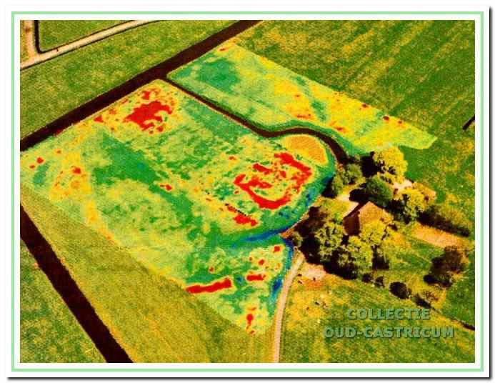 Het resultaat van de weerstandmetingen in 1997 geprojecteerd op een luchtfoto.