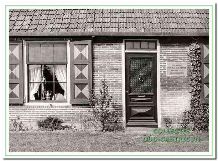 Gedenksteen ter herinnering aan het verblijf van prof. De Hartog.