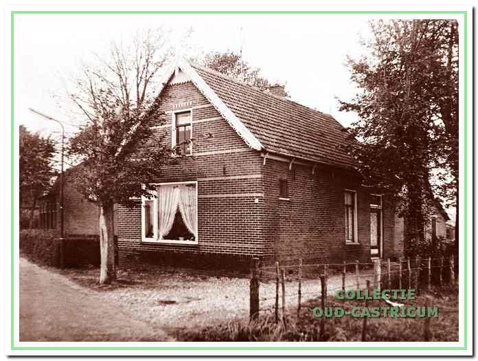 Jan Castricum had zijn winkel en slachterij op Breedeweg 36 tot het pand in 1970 werd gesloopt.