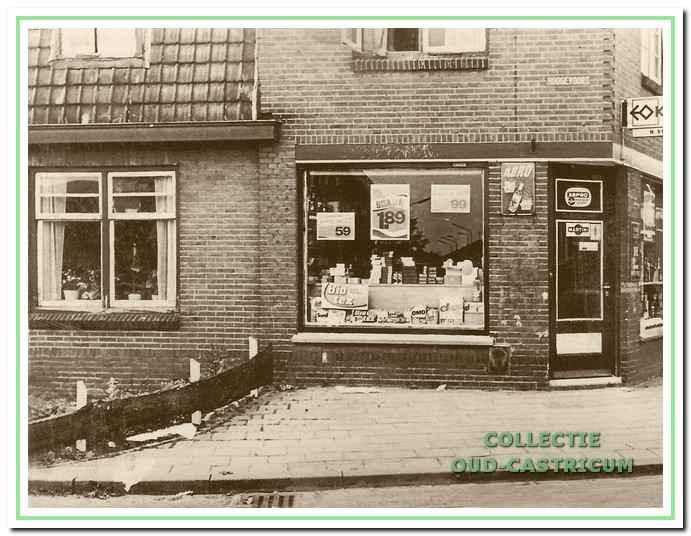 Kruidenier Brakenhoff was gevestigd op de hoek Ruiterweg-Hoogevoort.