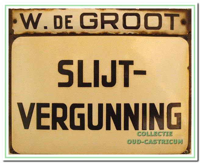 In 1955 koos De Groot voor de slijterij in plaats van een café.