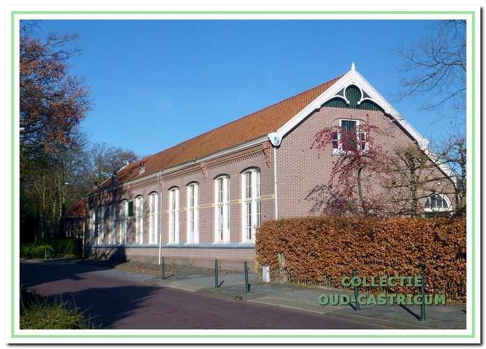 Vanaf 1976 huurde Perspectief enkele lokalen in de oude Duinrandschool. In 1994 werd het gebouw van de gemeente overgenomen, waarvoor de stichting De Duinrand werd opgericht.