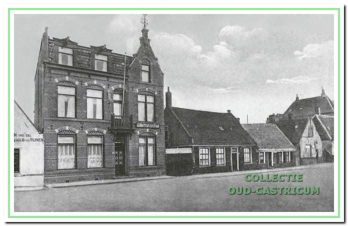 In een voormalig pension aan het Pompplein in Egmond aan Zee was het eerste koloniehuis Sint- Antonius gevestigd.