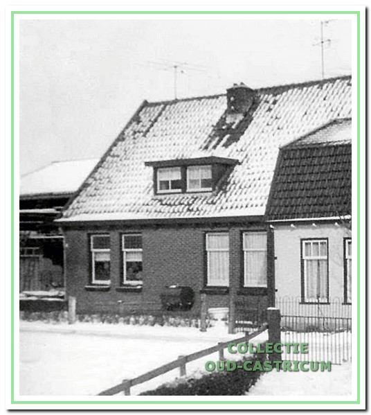 Het dubbele woonhuis nog in de oorspronkelijke vorm.