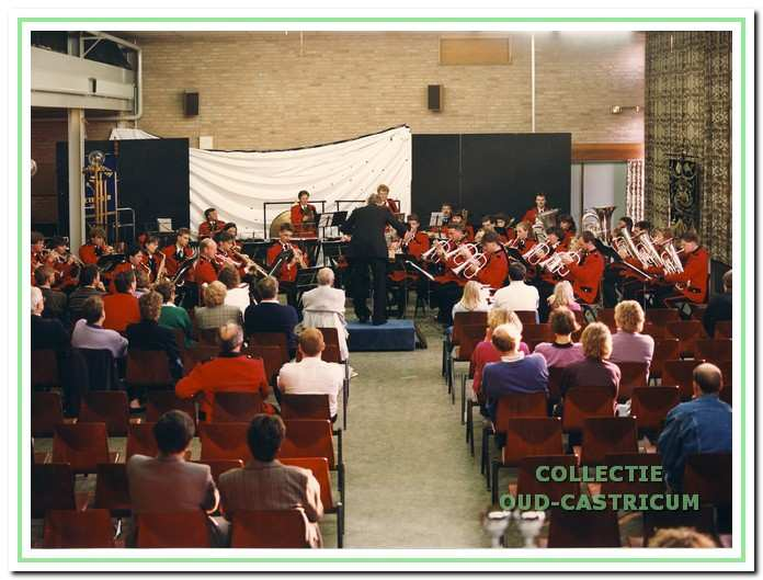 Het jeugdorkest van Emergo. Hier word gespeeld in Zoetermeer.