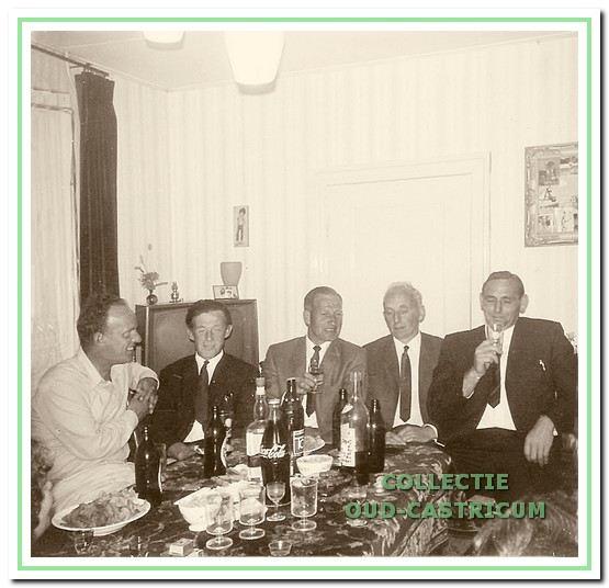 Van links naar rechts Cozijnsen, Gerrit Verver, Piet Bakker, Cor Kuijs en Klaas Tessel.