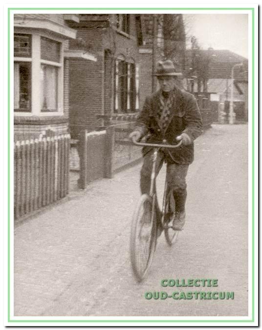 Dirk Bakker op de fiets.